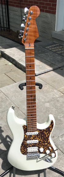 Build Thread Warmoth Strat With Roasted Flame Maple Neck